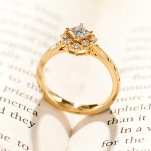 ハワイアンジュエリーマキシ婚約指輪