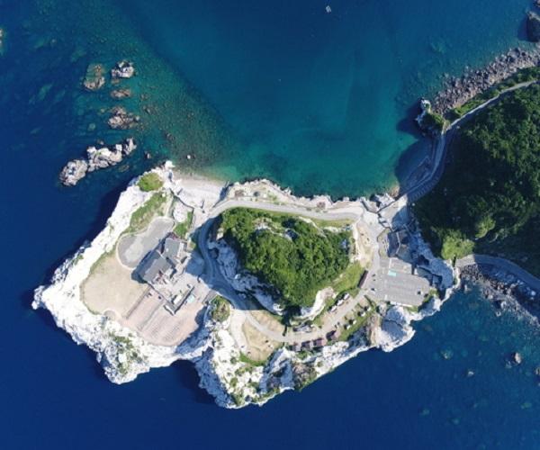 和歌山でオススメのプロポーズスポットといえばブルービーチ那智