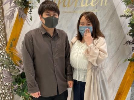 滋賀県草津市|ロゼットの婚約指輪をご成約いただきました