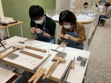大阪府・東大阪市|手作りペアバングルを作成していただきました