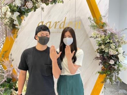 京都市左京区|シンプルなウェーヴデザインのプロミスリングにサプライズで婚約指輪をご成約いただきました