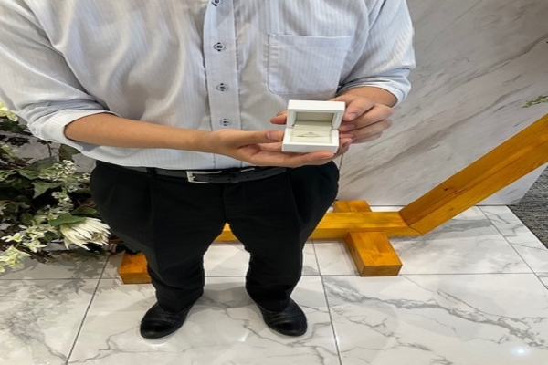 京都市・中京区|当日お持ち帰りできるリトルガーデンの婚約指輪をご成約いただきました